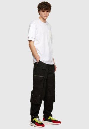 SERENDIPITY LOW CU - Sneakers laag - black/red