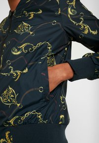Urban Classics - LADIES BLOUSON - Bomberjacks - luxury black - 5