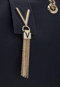 Valentino Bags - DIVINA - Handbag - navy - 3