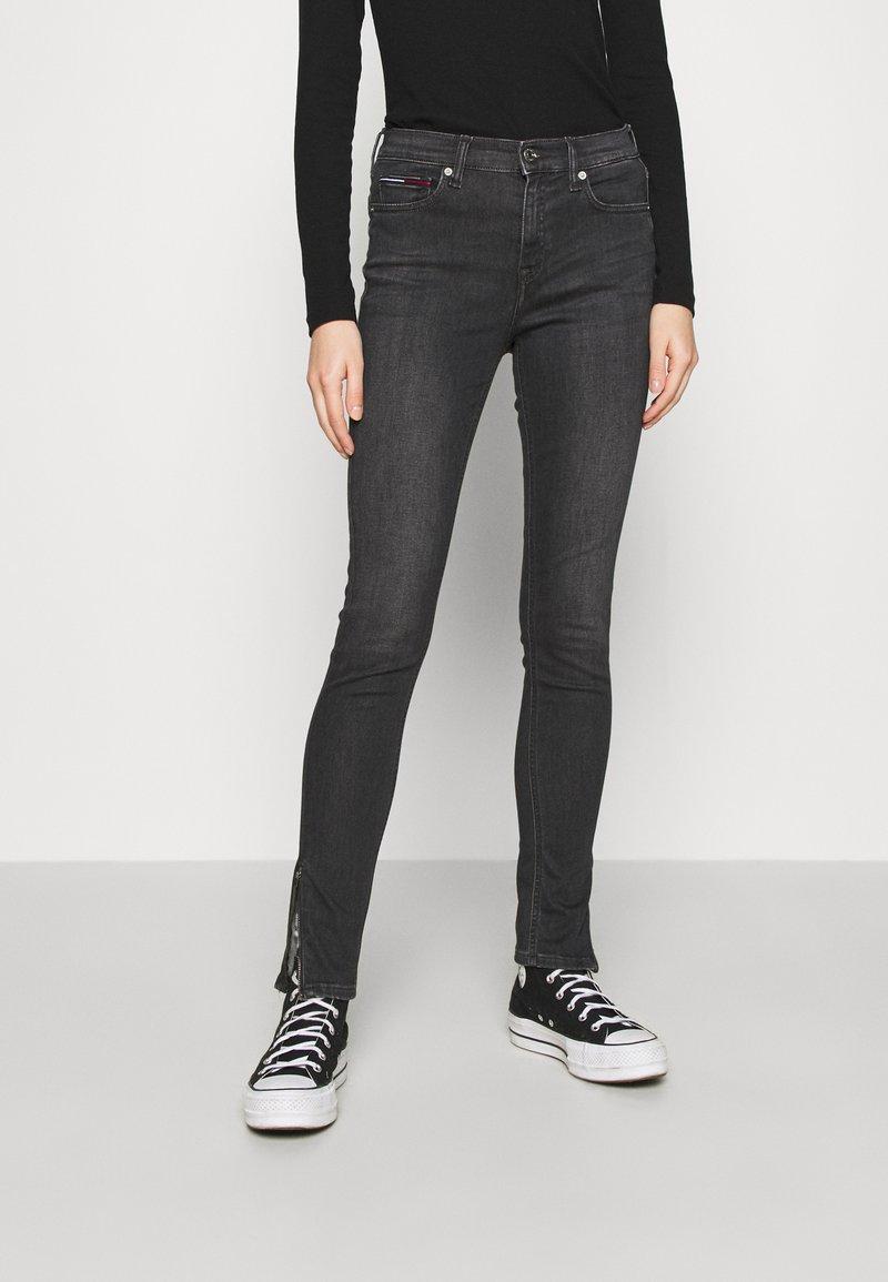 Tommy Jeans - NORA SKINNY ZIP - Jeans Skinny Fit - iris black