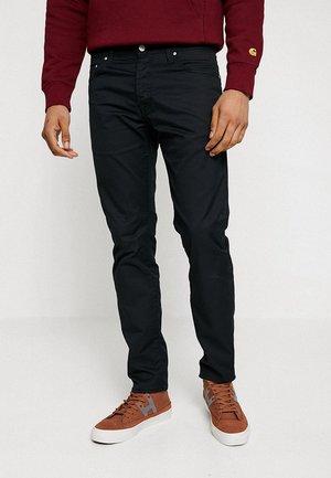 KLONDIKE PANT LAMAR - Pantalones - black rinsed
