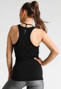 ONLY Play - ONPCLARISSA TRAINING TEE - Sports shirt - black - 2