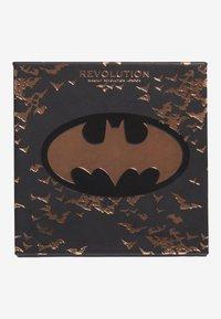 Make up Revolution - REVOLUTION X BATMAN BAT LIGHT HIGHLIGHTER - Highlighter - bat light - 1