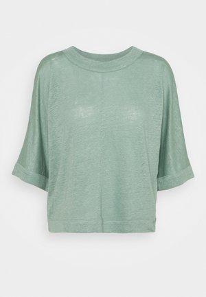 BOXY TEE - Print T-shirt - green bay