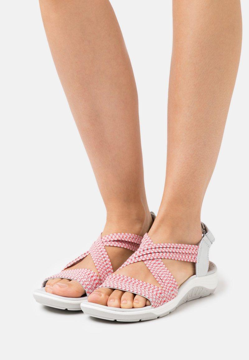 Skechers - REGGAE CUP - Walking sandals - grey/coral gore