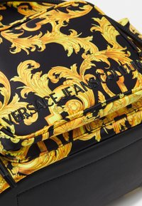 Versace Jeans Couture - SHELLY BACKPACK - Batoh - black - 4