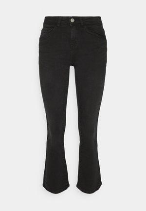 NMMARLI SLIM - Flared Jeans - black