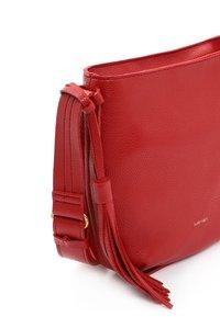 SURI FREY - Across body bag - red - 3