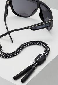 Marc Jacobs - Lunettes de soleil - black - 5