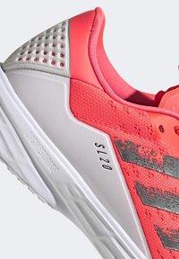 adidas Performance - SL20 SHOES - Löparskor stabilitet - pink - 10