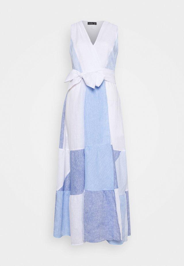 KALEA - Długa sukienka - weiß