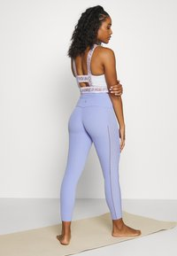 Nike Performance - YOGA LUXE 7/8 - Legging - light thistle/sapphire - 2