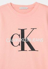 Calvin Klein Jeans - MONOGRAM LOGO UNISEX - Mikina - pink - 2