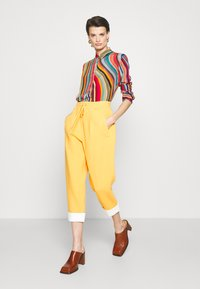 3.1 Phillip Lim - UTILITY TIE WAIST CROPPED TROUSER - Trousers - marigold - 3