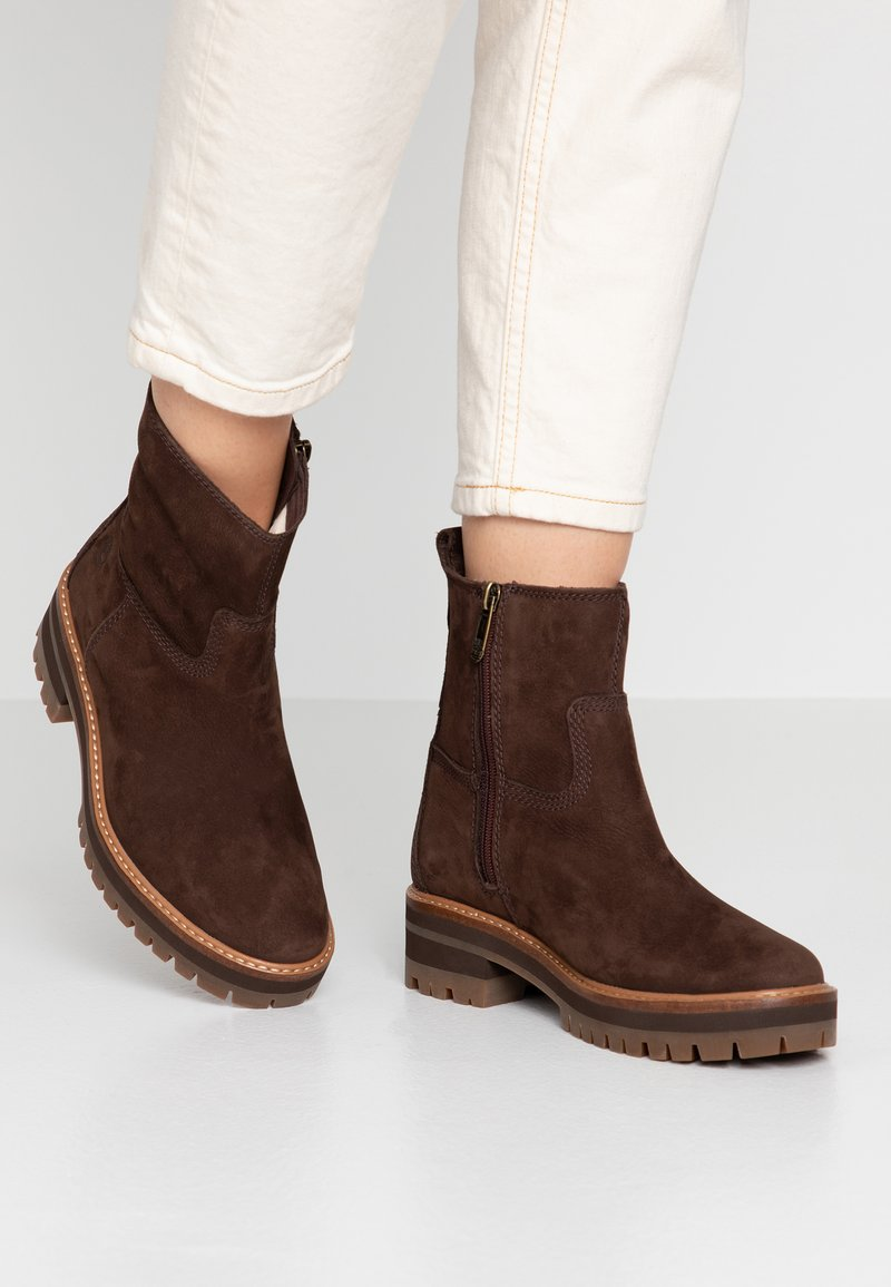 Timberland - COURMAYEUR VALLEY  - Classic ankle boots - dark brown