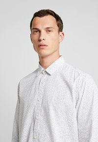 edc by Esprit - SLIM FIT - Hemd - white - 5