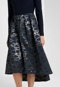 Lauren Ralph Lauren - LONG DRESS - Robe de soirée - gold/navy - 5