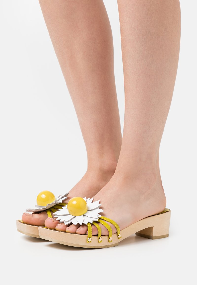 Jeffrey Campbell - BLOSSOMS - Clogs - yellow
