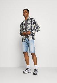 Replay - Denim shorts - light blue - 1