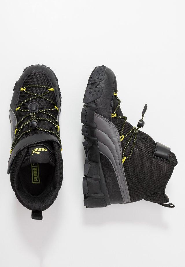 MAKA PURETEX V - Hiking shoes - castlerock/nrgy yellow