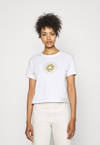 Hollister Co. - GRAPHIC EARTH DAY TEE - T-shirt z nadrukiem - white - 0