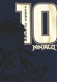 LEGO Wear - NINJAGO JUBILÄUM - Triko spotiskem - dark navy - 2
