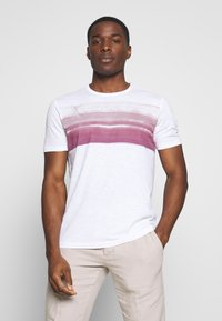 Marc O'Polo - Print T-shirt - white/baroque rose - 0