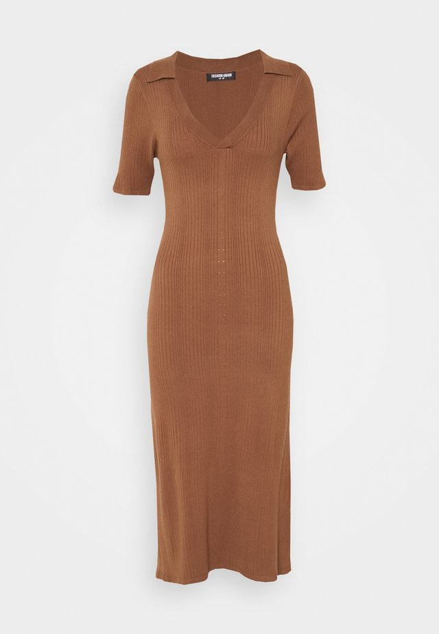 DIXON DRESS - Strikket kjole - brown