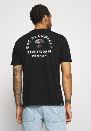 BROOK TEE - Print T-shirt - black
