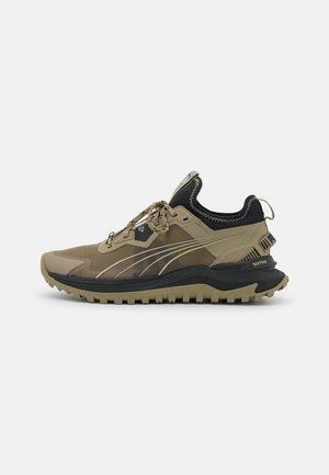 VOYAGE NITRO - Trail running shoes - covert green/black/spray green