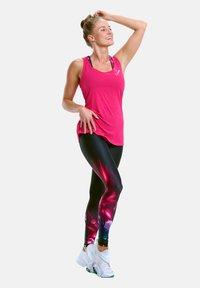 Winshape - MCT006 ULTRA LIGHT - Sports shirt - deep pink - 0