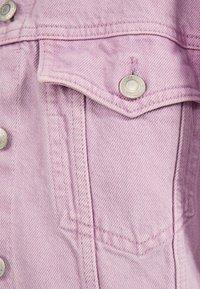 Bershka - OVERSIZE-JEANSJACKE 01110335 - Kurtka jeansowa - mauve - 5