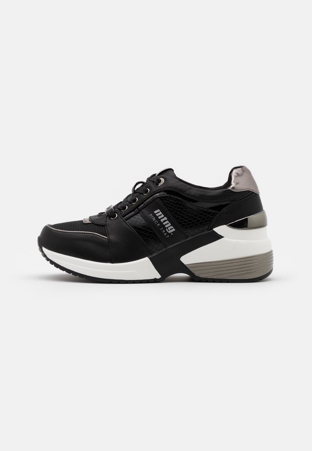 AMBY - Trainers - black