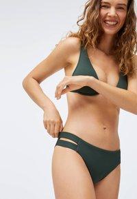 OYSHO - STRAP DETAIL - Bikini bottoms - evergreen - 3