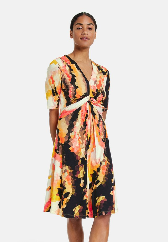 Korte jurk - papaya gemustert