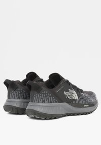The North Face - M ULTRA ENDURANCE XF FUTURELIGHT - Trail running shoes - tnf black/zinc grey - 2