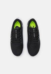 Nike Performance - AIR ZOOM PEGASUS 38 - Neutrální běžecké boty - black/white/anthracite/volt - 3