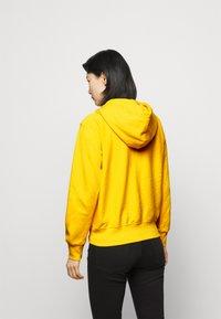 Polo Ralph Lauren - FEATHERWEIGHT - Zip-up sweatshirt - university yellow - 2