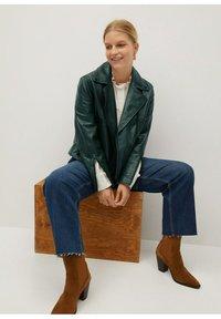 Violeta by Mango - ONETIOR8 - Leather jacket - dunkelgrün - 3