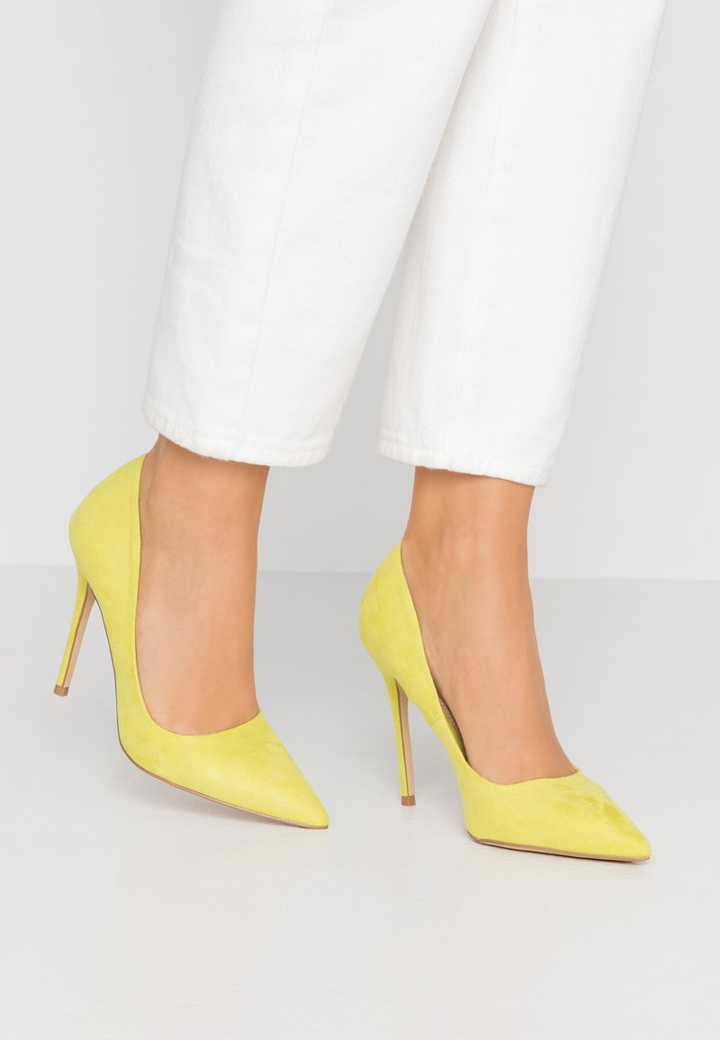 Miss Selfridge - CATERINAPOINTED STILETTO COURT - Højhælede pumps - lime