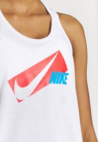 Nike Performance - DRY ELASTIKA - Funktionstrøjer - white/chile red - 4