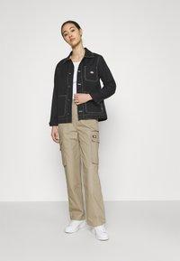 Dickies - COMBA ELASTICATED CARGO - Cargo trousers - khaki - 1