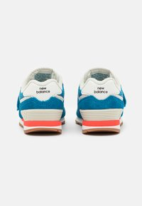 New Balance - IV574HC2 - Sneakers - blue - 2