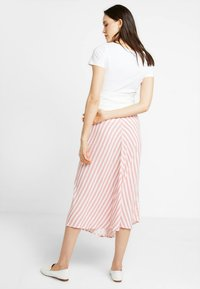 Gebe - SKIRT BREEZE - Maksihame - white/red - 2