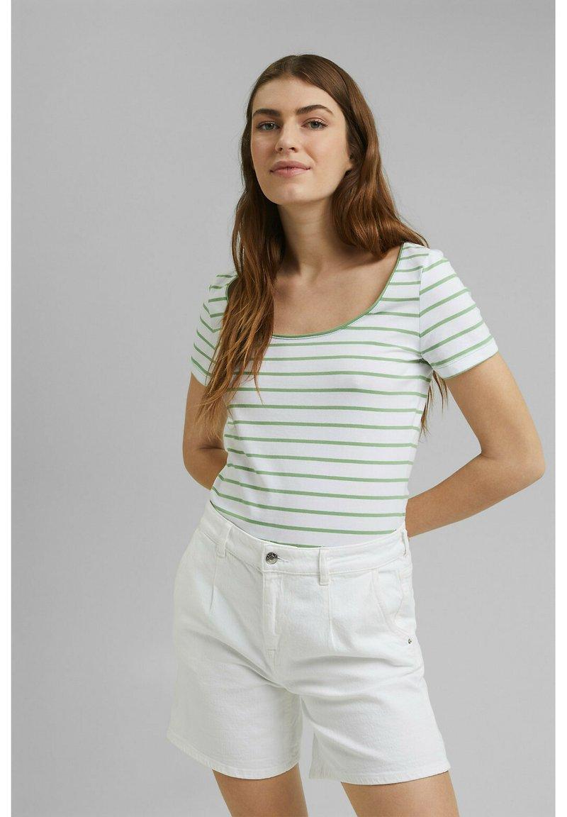 Esprit - TSHIRT DANCER - Print T-shirt - leaf green