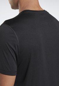 Reebok - ESSENTIALS SPEEDWICK RUNNING - T-shirts basic - black - 3