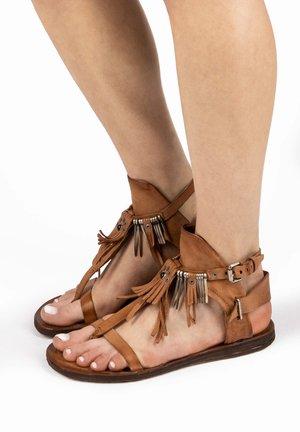 Sandals - calvados