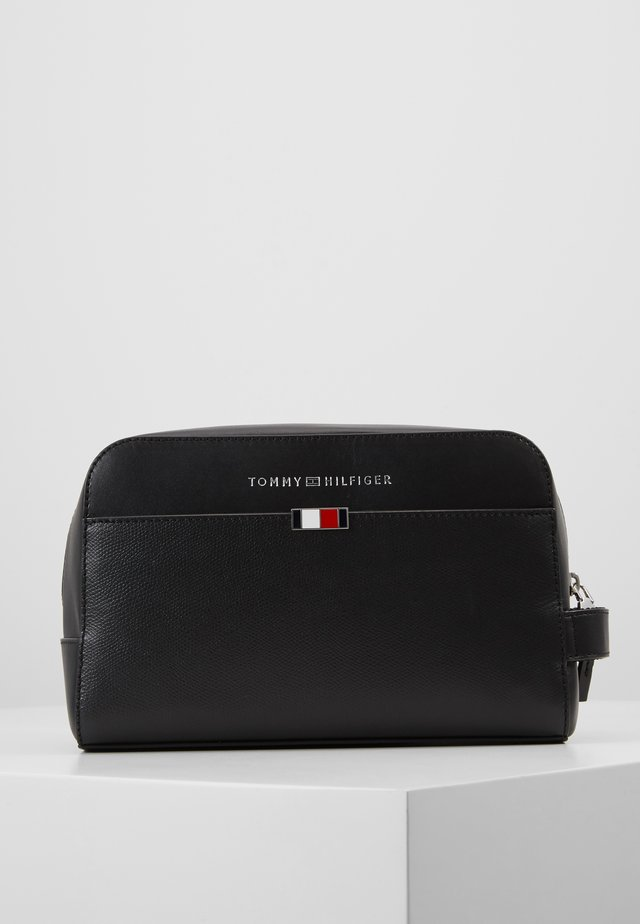 BUSINESS WASHBAG - Trousse - black