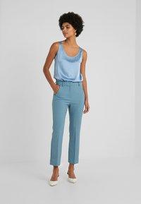 WEEKEND MaxMara - ALCIDE - Kalhoty - azurblau - 0