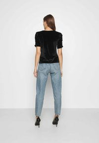 Dorothy Perkins - RUCHE SLEEVE TEE - Basic T-shirt - black - 2